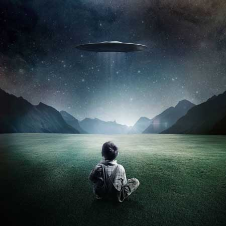 A boy and his UFO